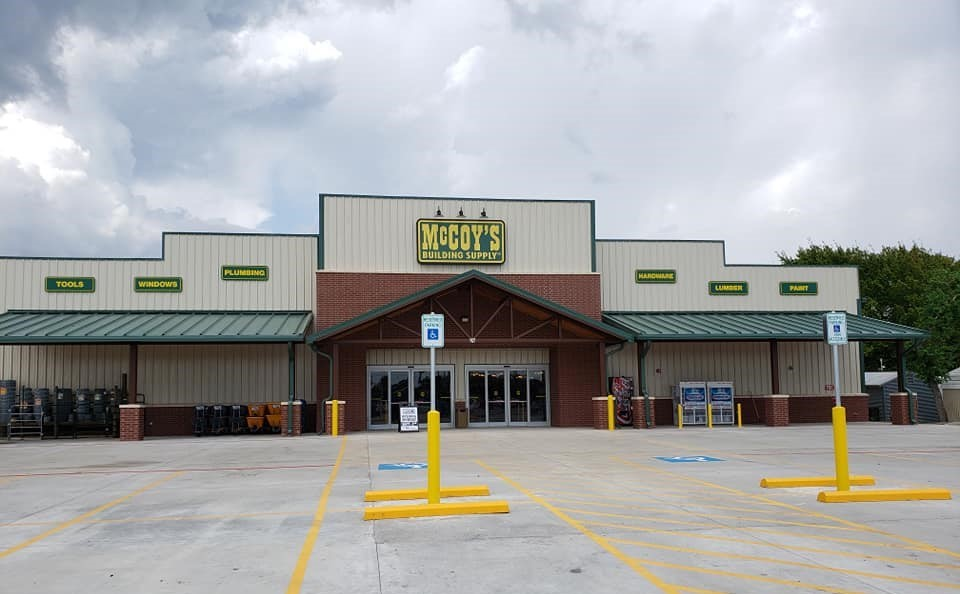 McCoy's Bay City store front